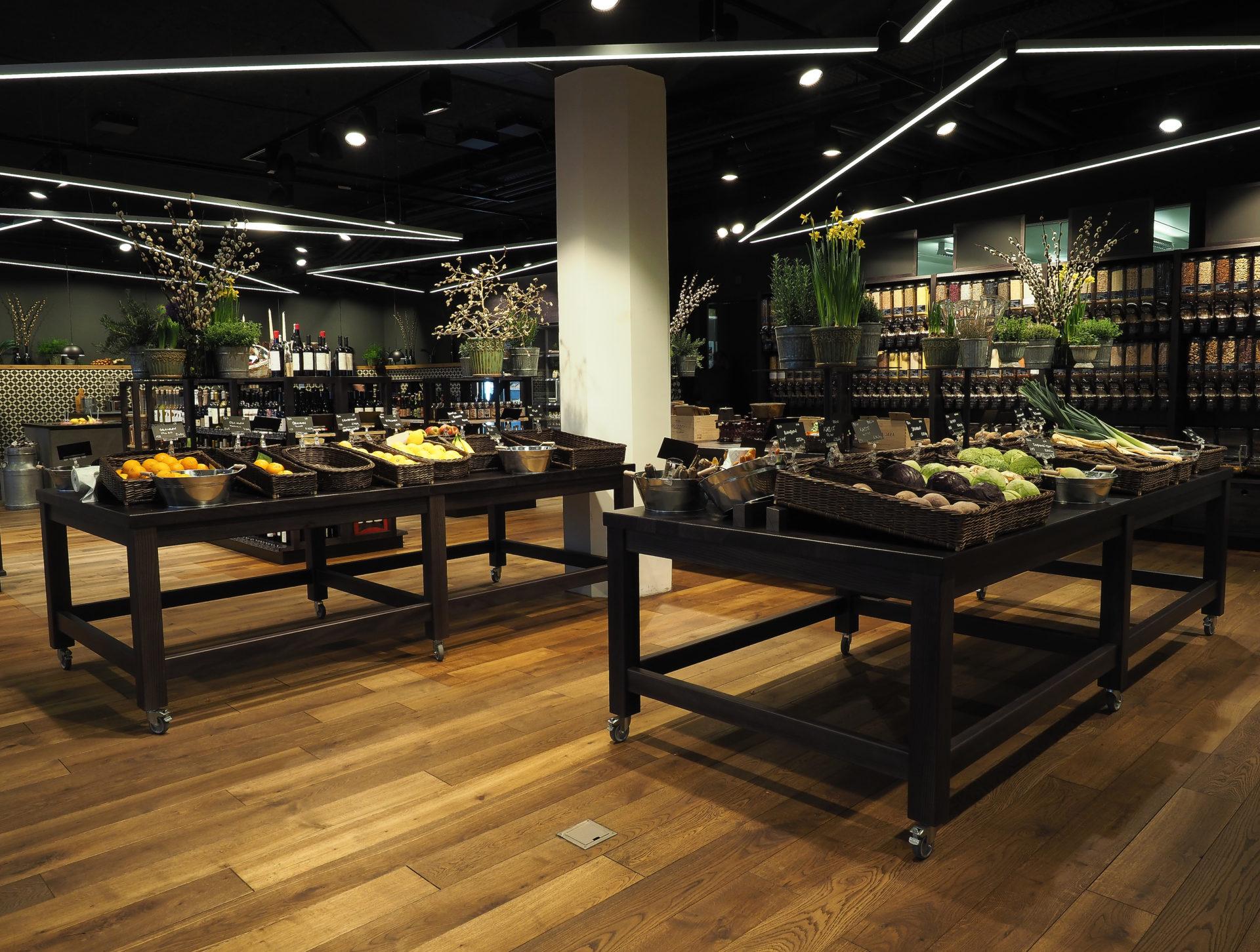 2014 Eröffnung Quai4. Die Wärchbrogg expandiert: 2014 eröffnet sie am Alpenquai4 einen Lebensmittelladen, den künftigen Quai4-Markt, und das neue Restaurant Quai4. Das Projekt Quai4 ist auch für das Tribschenquartier ein Gewinn.