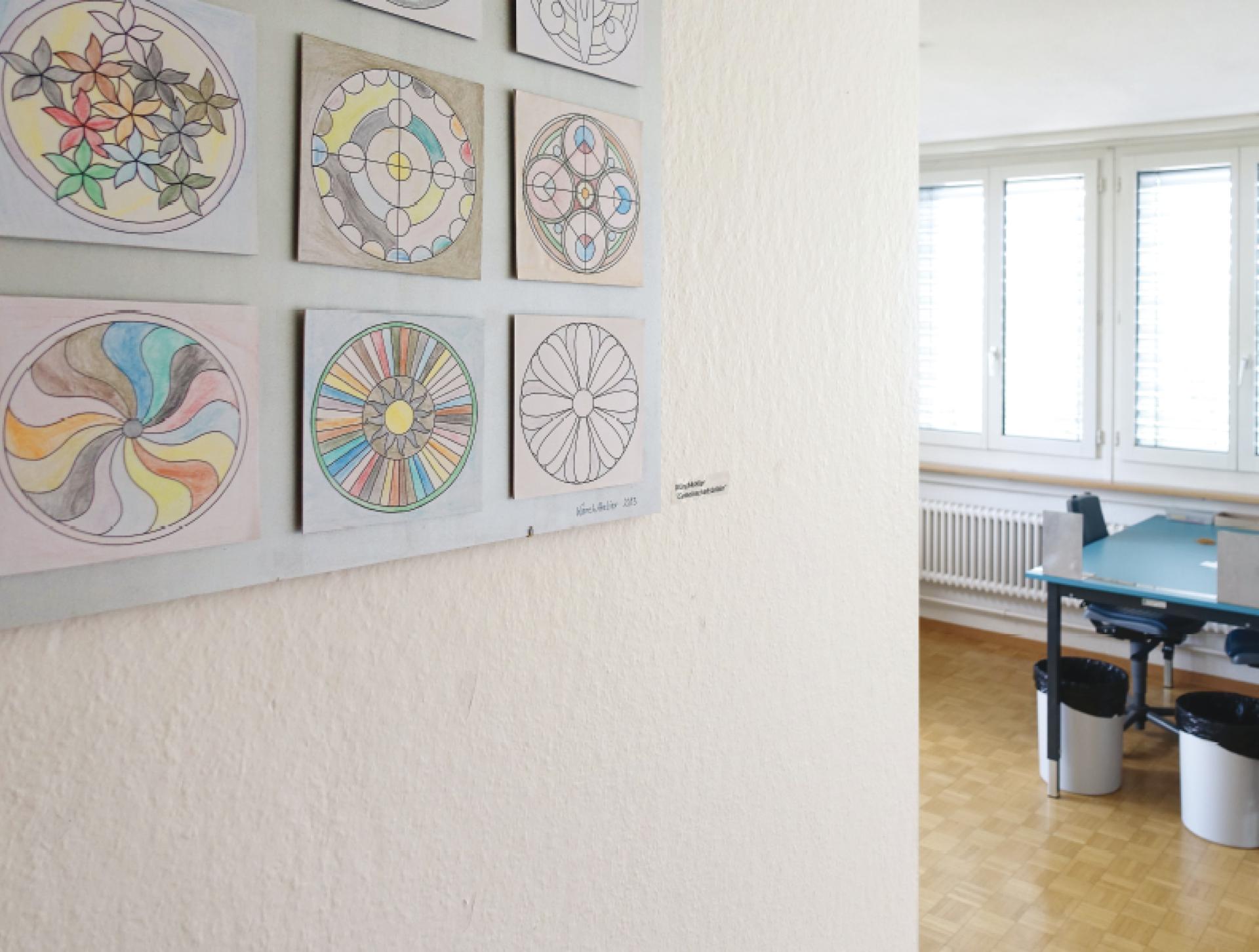 2011 Eröffnung WärchAtelier. Die Wärchbrogg schafft ein neues Angebot mit Tagesstruktur für psychisch stärker beeinträchtigte Menschen. Im WärchAtelier stehen kreatives Tun und einfache Abpackarbeiten im Zentrum.