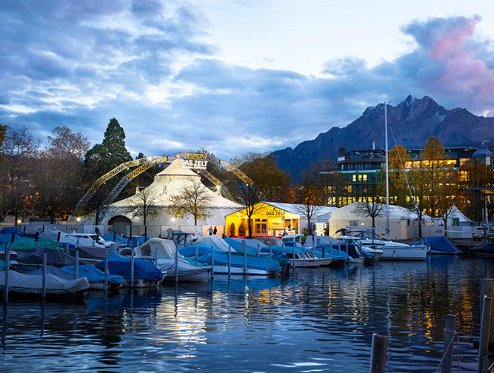 DAS ZELT gastiert vom 2. November bis 1. Dezember wieder in Luzern
